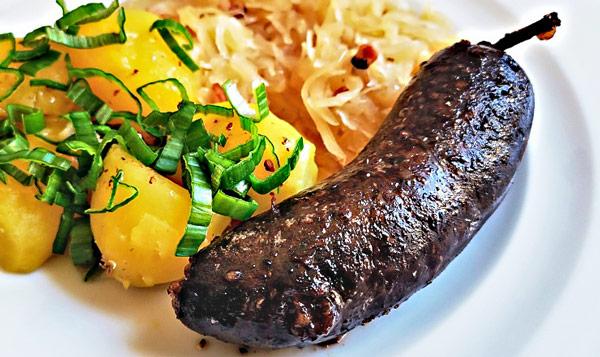 Елито (Jelito) чешское блюдо из свиного мяса и крови с перловой крупой