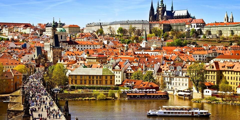 Погода в Праге летом